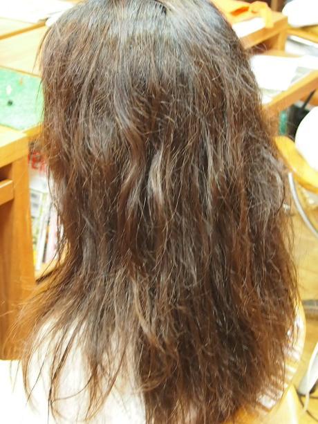 Hanaのトリートメントでかける縮毛矯正♪_a0037910_1423154.jpg