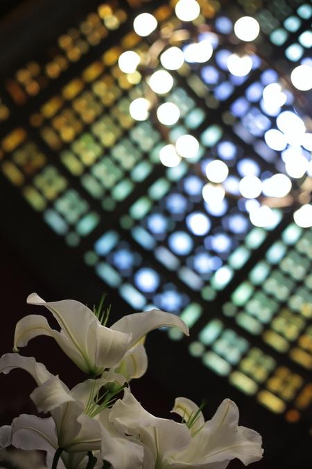 ユリの挙式の装花 東京女子大学、チャペルへ_a0042928_20434578.jpg