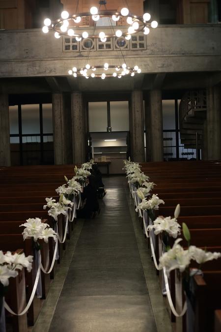 ユリの挙式の装花 東京女子大学、チャペルへ_a0042928_20445330.jpg