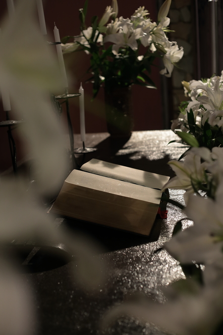 ユリの挙式の装花 東京女子大学、チャペルへ_a0042928_20511172.jpg