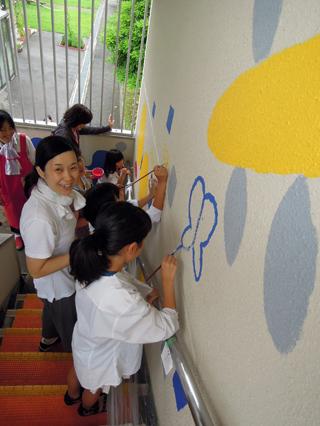 壁画を描こう!「3びきのかめ・1まんねんのぼうけん」④_f0247351_8172171.jpg