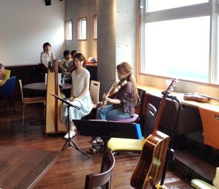 昼下がりライブ@Comm Cafe_a0257968_16395332.jpg