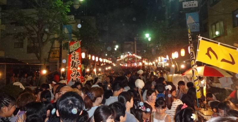 学園南商店会の盆踊り_f0059673_9463530.jpg