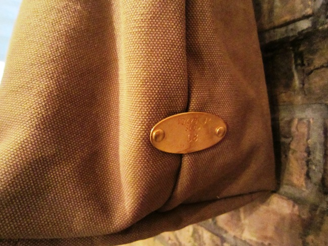 "SLOW \""tannin tote bag Lsize\"" ご紹介_f0191324_9323812.jpg"