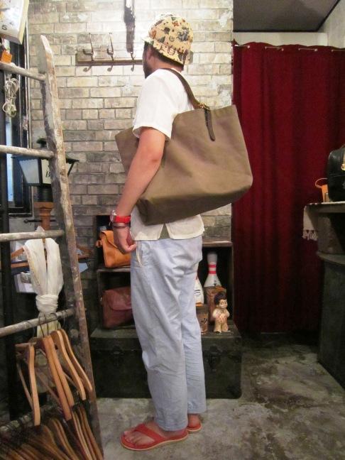 "SLOW \""tannin tote bag Lsize\"" ご紹介_f0191324_9325485.jpg"