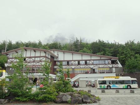日本滞在記(3)はとバスで富士山五合目と桃狩り☆_d0104926_23583680.jpg