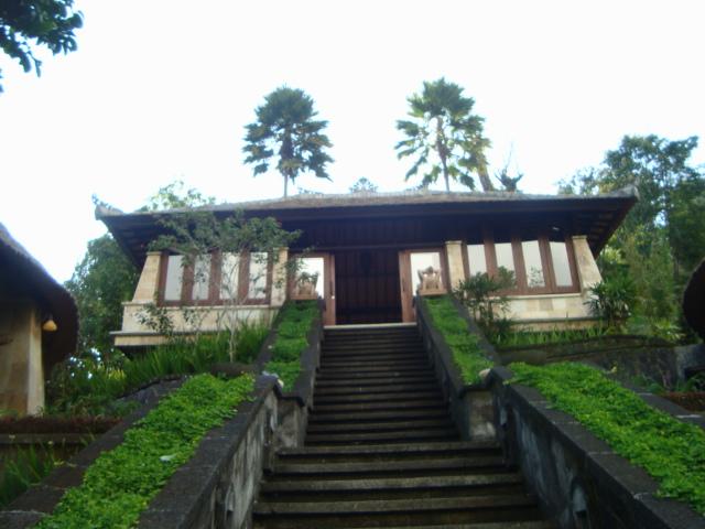 バリ島へ行く。④ ~ヨガと瞑想と私~_f0232060_15433127.jpg