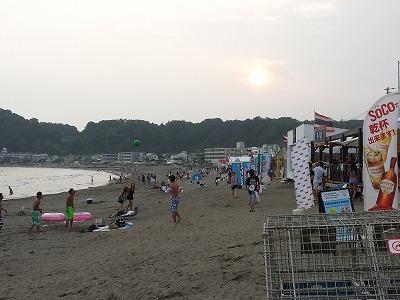 由比ヶ浜の海の家で、ごはん!_e0139694_2154662.jpg