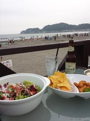 由比ヶ浜の海の家で、ごはん!_e0139694_2159376.jpg