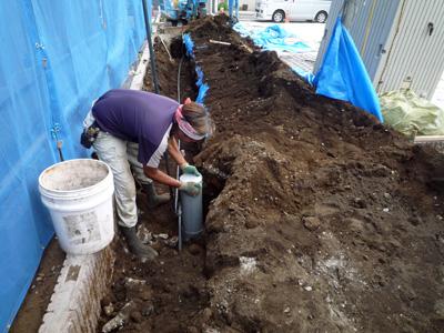 建てる前に掘る_a0148909_10363259.jpg