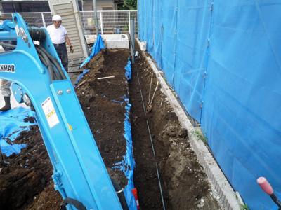 建てる前に掘る_a0148909_1036493.jpg