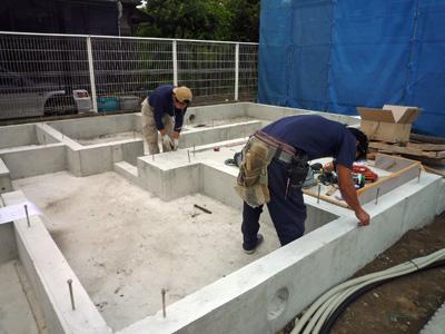 建てる前に掘る_a0148909_10391590.jpg