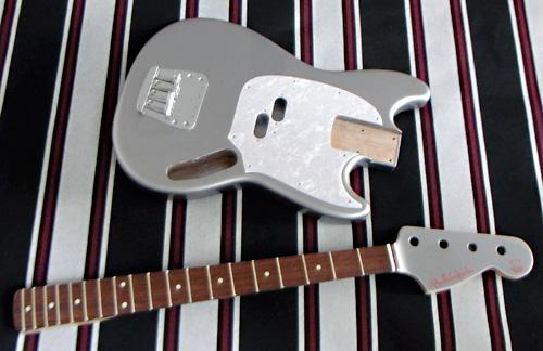 「Light Grill SilverのGastank Bass」の塗装が完了〜です!_e0053731_1830745.jpg