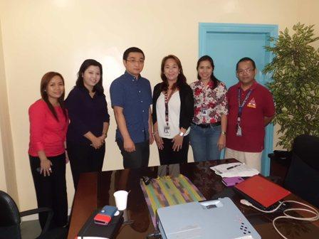 フィリピンのパーペチュアル大学(1)_f0138645_2151516.jpg