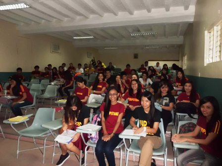 フィリピンのパーペチュアル大学(1)_f0138645_2162675.jpg
