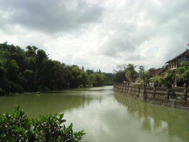 バリ島へ行く。⑥ ~変わりゆく町と変わらない場所~_f0232060_0245674.jpg