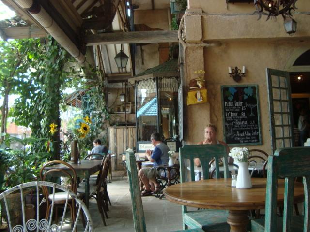 バリ島へ行く。⑦ ~ウブドのおしゃれカフェ~_f0232060_20572970.jpg