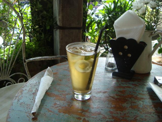 バリ島へ行く。⑦ ~ウブドのおしゃれカフェ~_f0232060_20593324.jpg