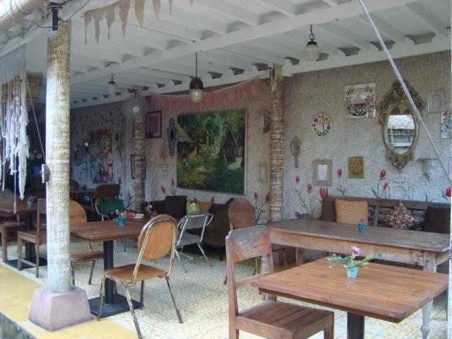 バリ島へ行く。⑦ ~ウブドのおしゃれカフェ~_f0232060_217256.jpg