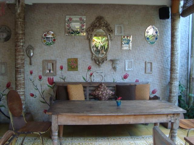 バリ島へ行く。⑦ ~ウブドのおしゃれカフェ~_f0232060_218591.jpg