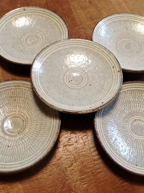 韓国 金海窯 新入荷しました。_b0153663_15375192.jpg