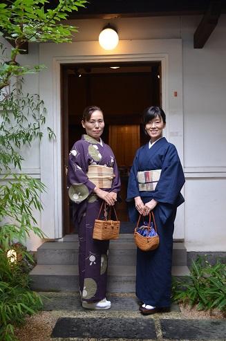 着物を着つけて姉妹で美術館へ_d0230676_11412680.jpg