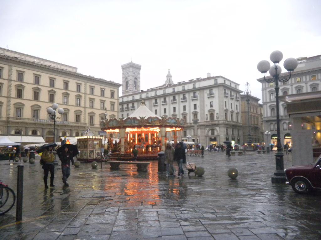 イタリア紀行  その3   フィレンツエ から サン・ ジミニャーノ_c0195496_17585342.jpg