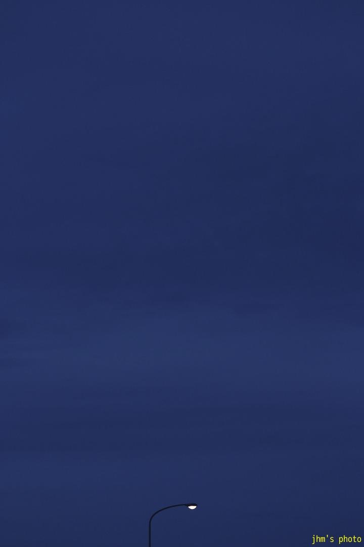 空を見上げる男(カモメは西へ)_a0158797_19481.jpg