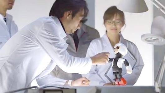 日本生まれの人類初のロボット宇宙飛行士KIROBO(キロボ)くん、宇宙へ出発_b0007805_211934.jpg