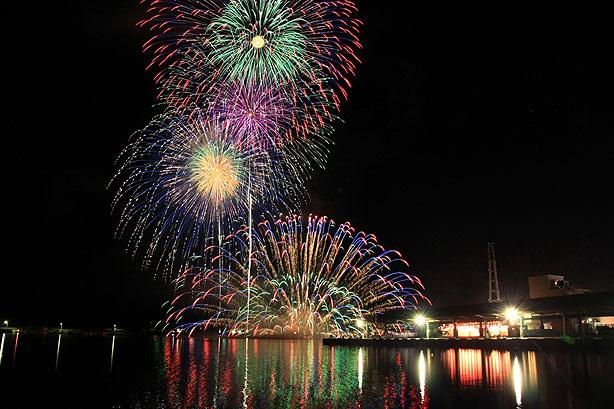 おわせ港祭りの花火_b0186680_11112464.jpg