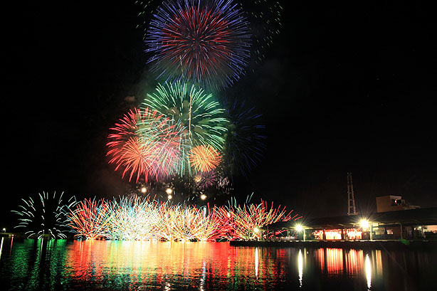 おわせ港祭りの花火_b0186680_11114310.jpg