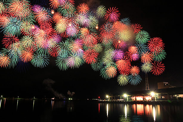 おわせ港祭りの花火_b0186680_11115710.jpg