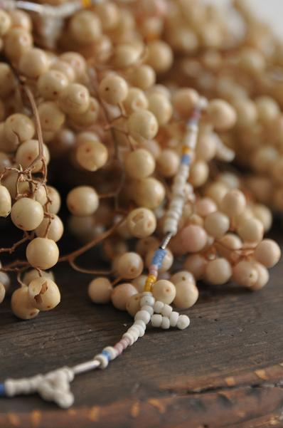 womb Beads Necklace _d0120442_11342372.jpg