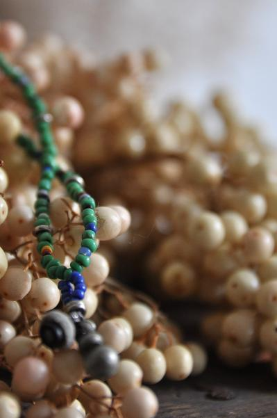 womb Beads Necklace _d0120442_11371239.jpg