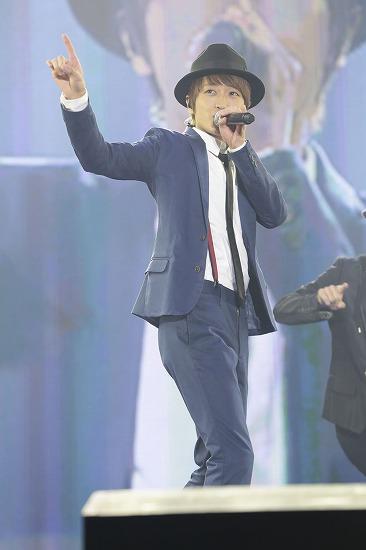 """AAA 西島隆弘、""""Nissy""""としてa-nationのステージで初のソロ楽曲をサプライズ披露_e0197970_1023336.jpg"""