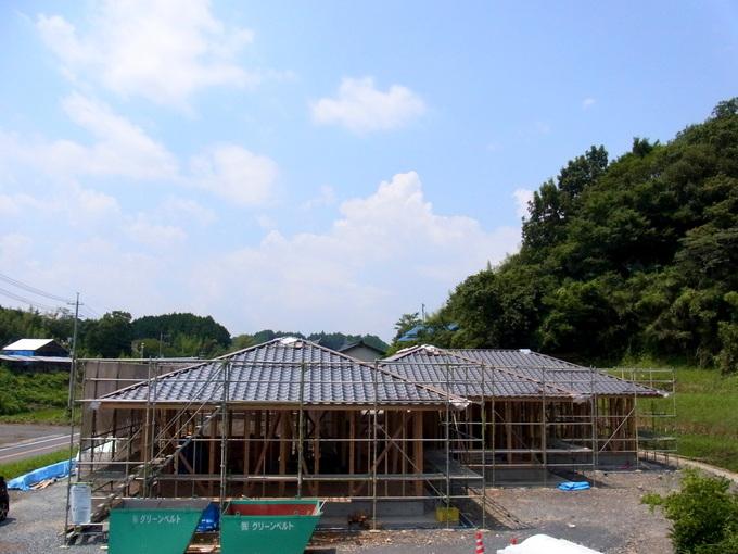 屋根工事が終わりました。_c0143482_1801278.jpg