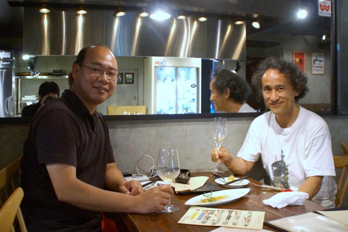 五人で乾杯した次の晩に横山ひろあきさんと男二人で飲み語り@鉄ぱん軒_f0006713_23364730.jpg