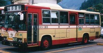 西東京バスのレインボー 2題_e0030537_1284063.jpg