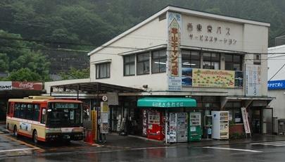 西東京バスのレインボー 2題_e0030537_1464398.jpg