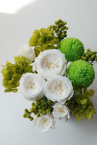 9月の花嫁さま ホワイトグリーンミックスブーケ!_a0136507_1647844.jpg