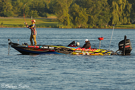 Bassmaster Elite Series #7 St. Lawrence River, NY  初日_a0097491_7571844.jpg