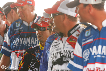 Bassmaster Elite Series #7 St. Lawrence River, NY  初日_a0097491_801980.jpg