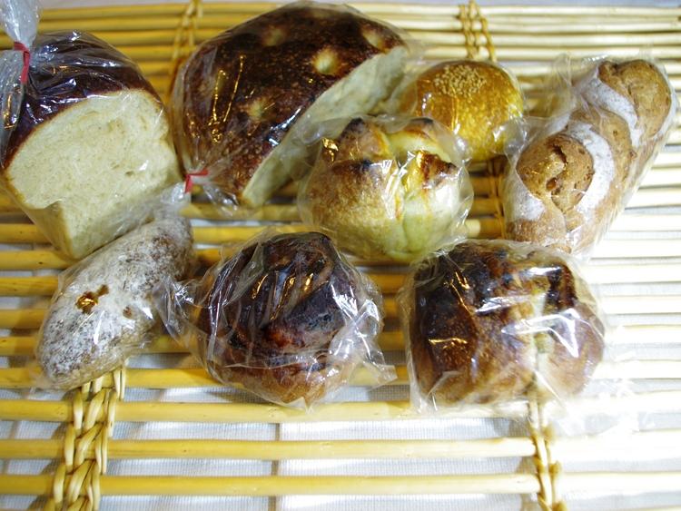 宗像堂パンを買い占めちゃった_e0167593_1164739.jpg