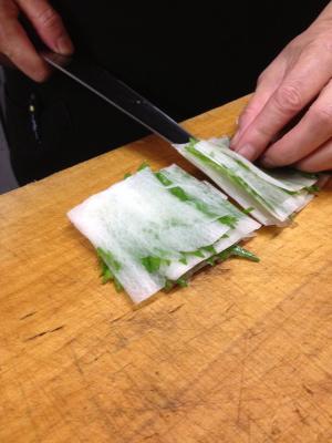 ++プロの技で刺身のツマに挑戦@根津くらぶ++_e0140921_21161714.jpg