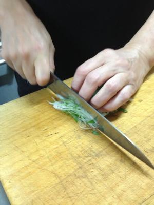 ++プロの技で刺身のツマに挑戦@根津くらぶ++_e0140921_2121946.jpg