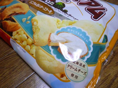 【不二家】カントリーマアム(バニラ&白いチーズケーキ)_c0152767_2338659.jpg