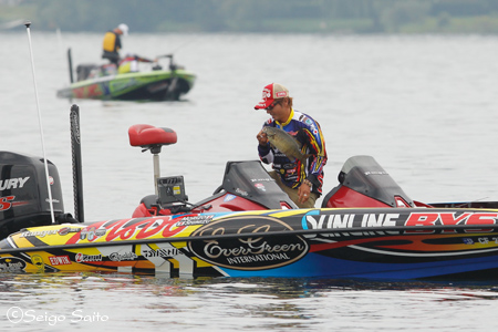Bassmaster Elite Series #7 St. Lawrence River, NY  日2日目_a0097491_7585637.jpg