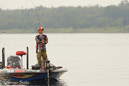 Bassmaster Elite Series #7 St. Lawrence River, NY  日2日目_a0097491_811162.jpg
