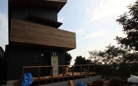 「緑豊かな高台に建つ二世帯住宅」完成前のWEB内覧_f0170331_1624117.jpg