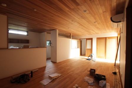 「緑豊かな高台に建つ二世帯住宅」完成前のWEB内覧_f0170331_1652444.jpg